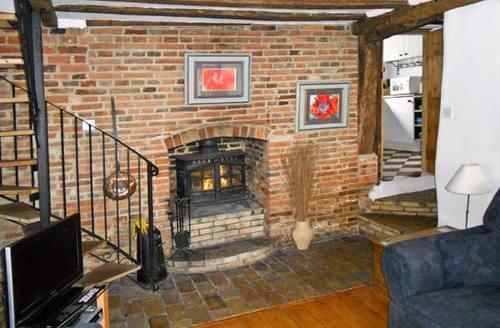 Snaptrip - Last minute cottages - Adorable Halesworth Cottage S2390 -
