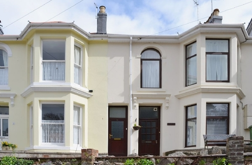 Snaptrip - Last minute cottages - Stunning Brixham Apartment S26088 -