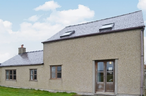 Snaptrip - Last minute cottages - Delightful Rhosneigr And Aberffraw Cottage S26134 -