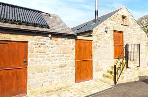 Snaptrip - Last minute cottages - Stunning Holymoorside Rental S26157 -