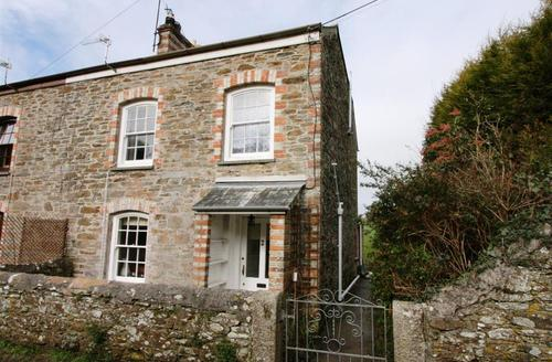 Snaptrip - Last minute cottages - Splendid South Cornwall Rental S26444 - Doodles