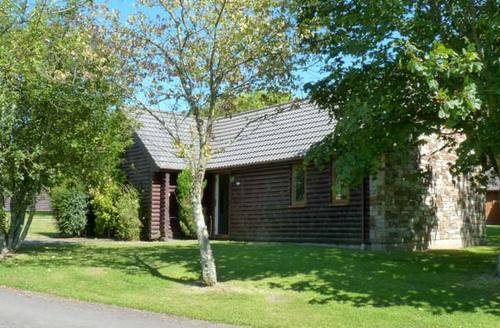 Snaptrip - Last minute cottages - Cosy Bodmin Lodge S2448 -