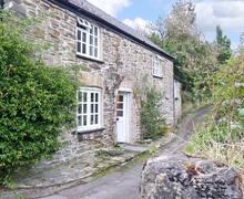 Snaptrip - Last minute cottages - Inviting Saltash Cottage S2451 -