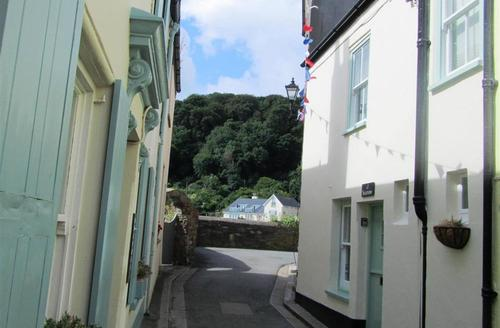 Snaptrip - Last minute cottages - Lovely South Cornwall Rental S26574 - Seamew