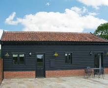 Snaptrip - Last minute cottages - Lovely Norwich Barn S2456 -