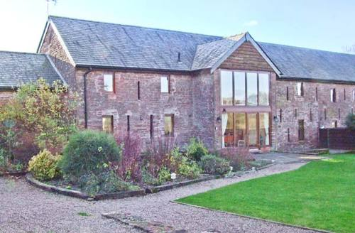 Snaptrip - Last minute cottages - Stunning Ross On Wye Barn S2460 -