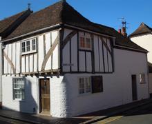 Snaptrip - Last minute cottages - Luxury Sandwich Rental S26668 - Tudor Cottage - Ext 2