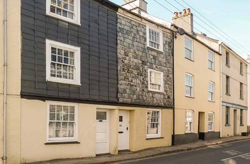 Snaptrip - Last minute cottages - Tasteful Tavistock Rental S26761 -