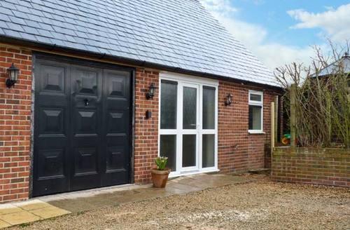 Snaptrip - Last minute cottages - Splendid Axminster Cottage S2478 -