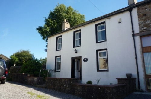 Snaptrip - Last minute cottages - Gorgeous Cockermouth House S426 - Orchard Farm House, Self catering holiday cottage in Eaglesfield sleeping 5, Lakes Cottage Holidays