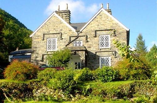 Snaptrip - Last minute cottages - Exquisite Conwy Valley Cottage S26841 - Rectory-ext1a