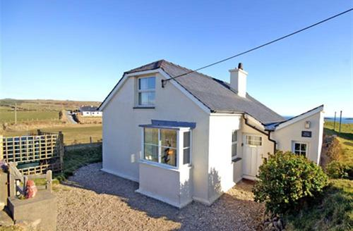 Snaptrip - Last minute cottages - Quaint Aberdaron Cottage S26860 - Wild-Thyme-ext1a-bro-2010
