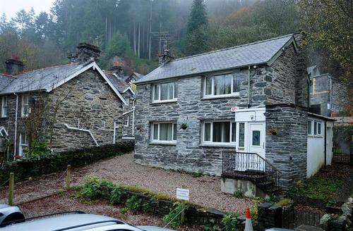 Snaptrip - Last minute cottages - Captivating Snowdonia Cottage S26867 - Swn-Y-Nant-Ki-14-b