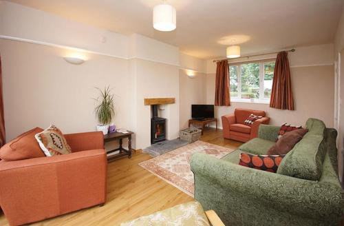 Snaptrip - Last minute cottages - Tasteful Around Llanduno & Coast Cottage S26878 - Maes-Rathbone-lounge