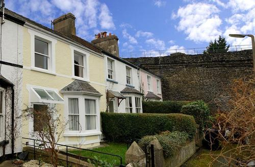 Snaptrip - Last minute cottages - Stunning Conwy Cottage S26887 - Tan-Y-Wal-exterior--15