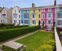 Snaptrip - Last minute cottages - Excellent Around Llanduno & Coast Apartment S26895 - Cynwy-Apartment-exterior