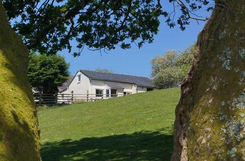 Snaptrip - Last minute cottages - Lovely Caernarfon Cottage S26978 - Tyn-Gadlas-ext1aT