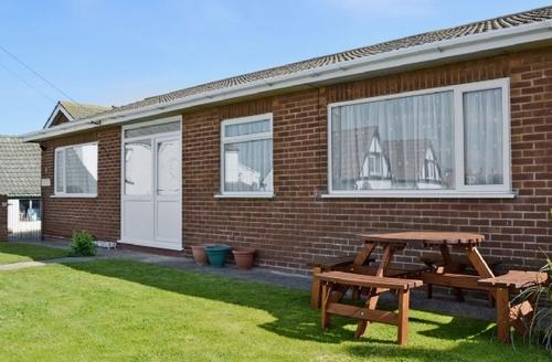 Snaptrip - Last minute cottages - Superb Mablethorpe Cottage S27012 -