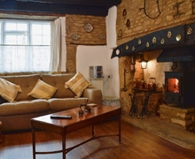 Snaptrip - Last minute cottages - Tasteful Stow On The Wold Cottage S27014 -