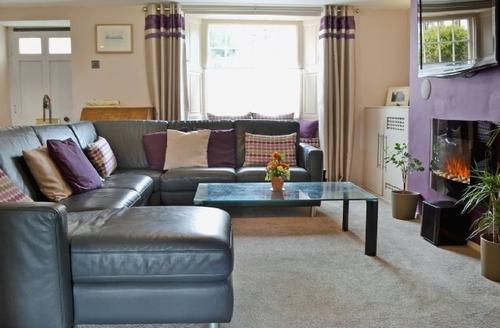 Snaptrip - Last minute cottages - Quaint Alston Cottage S27025 -