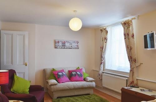 Snaptrip - Last minute cottages - Wonderful Beccles Apartment S27026 -