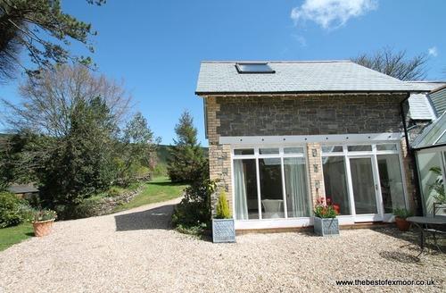 Snaptrip - Last minute cottages - Quaint Malmsmead Cottage S27094 -