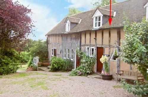 Snaptrip - Last minute cottages - Tasteful Malvern Rental S2511 -