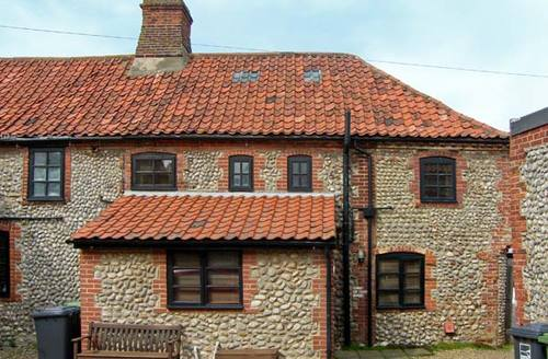 Snaptrip - Last minute cottages - Beautiful Sheringham Cottage S2532 -