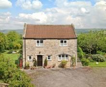 Snaptrip - Last minute cottages - Quaint Wells House S2554 -