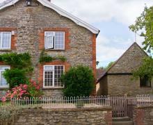 Snaptrip - Last minute cottages - Superb Sherborne Cottage S2556 -