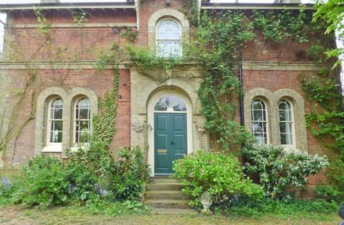 Snaptrip - Last minute cottages - Gorgeous Harleston Gates S2557 -
