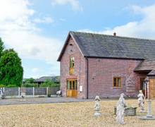 Snaptrip - Last minute cottages - Delightful Newport Cottage S2568 -