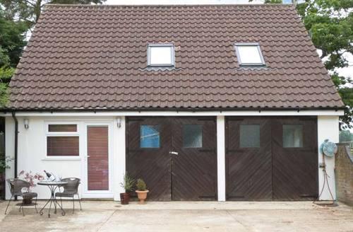 Snaptrip - Last minute cottages - Beautiful Norwich View S2599 -
