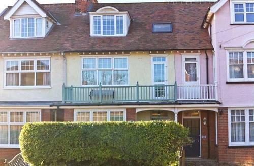 Snaptrip - Last minute cottages - Quaint Norwich House S2641 -