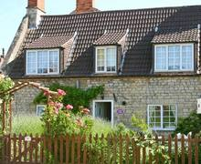 Snaptrip - Last minute cottages - Cosy Sleaford Cottage S2654 -