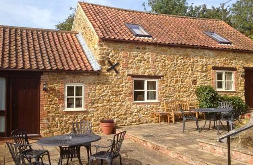 Snaptrip - Last minute cottages - Stunning Market Rasen Mill S2655 -
