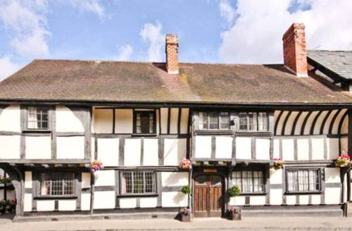 Snaptrip - Last minute cottages - Superb Hereford House S2652 -