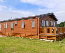 Snaptrip - Last minute cottages - Stunning Lincoln Swan S2675 -