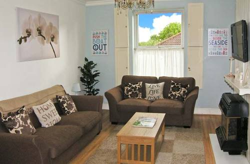 Snaptrip - Last minute cottages - Superb Lowestoft Cottage S2711 -