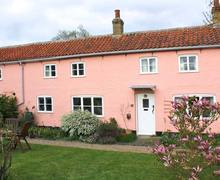 Snaptrip - Holiday cottages - Luxury Cambridge Cottage S2722 -