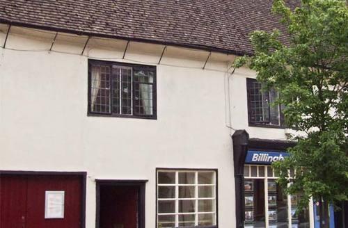 Snaptrip - Last minute cottages - Lovely Stourbridge Joy S2790 -