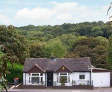 Snaptrip - Last minute cottages - Wonderful Telford Cottage S2835 -