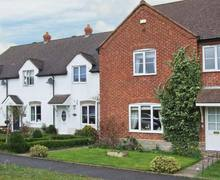 Snaptrip - Last minute cottages - Beautiful Evesham House S2851 -