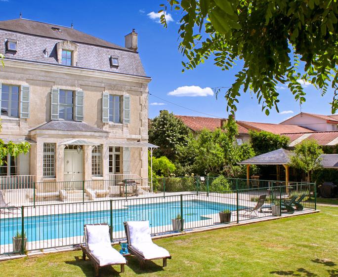 Astier Petit Chateau