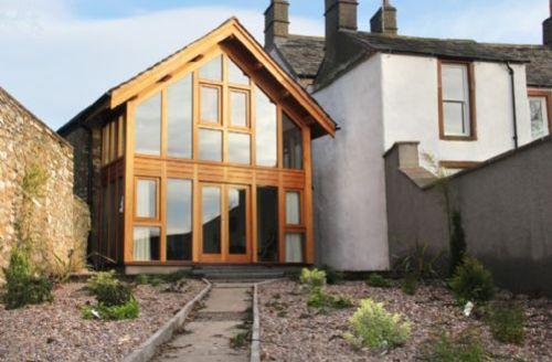 Snaptrip - Last minute cottages - Adorable Penrith (Sauna) S449 - Harrison House, rear garden, Lakes Cottage Holidays