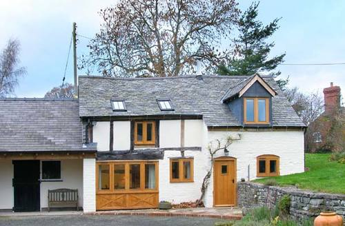Snaptrip - Last minute cottages - Tasteful Shrewsbury Cottage S2865 -