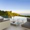 Snaptrip - Holiday cottages - Luxury Lagoa Cottage S116039 -
