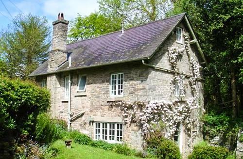 Snaptrip - Last minute cottages - Quaint Kington Cottage S2899 -