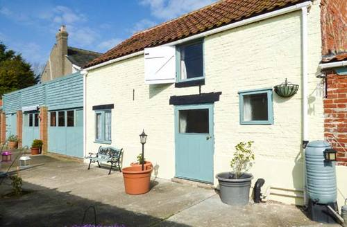 Snaptrip - Last minute cottages - Adorable Great Yarmouth Cottage S2900 -