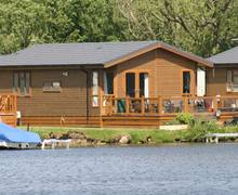Snaptrip - Last minute cottages - Charming Lincoln Lodge S2903 -